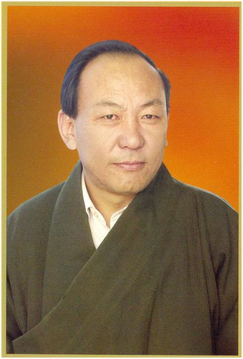 尼玛顿珠,内科主任医师